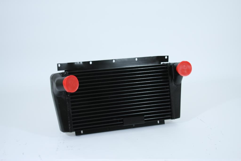 INTERNATIONAL | NAVISTAR CHARGE AIR COOLER: NGD WITH V8 ENGINE (45 DEGREE CURVED INLET)